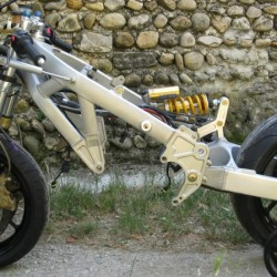 Moto avec roue Aprilia